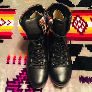 WOMEN'S BLACK ANKLE BOOTS SIZE 41